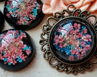 25 mm Round Shape Blue and Red Dried Flowers Flat Back Resin Cabochons (t.t)