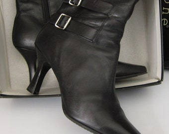 Vintage Ladies Black Leather Boots Size 9