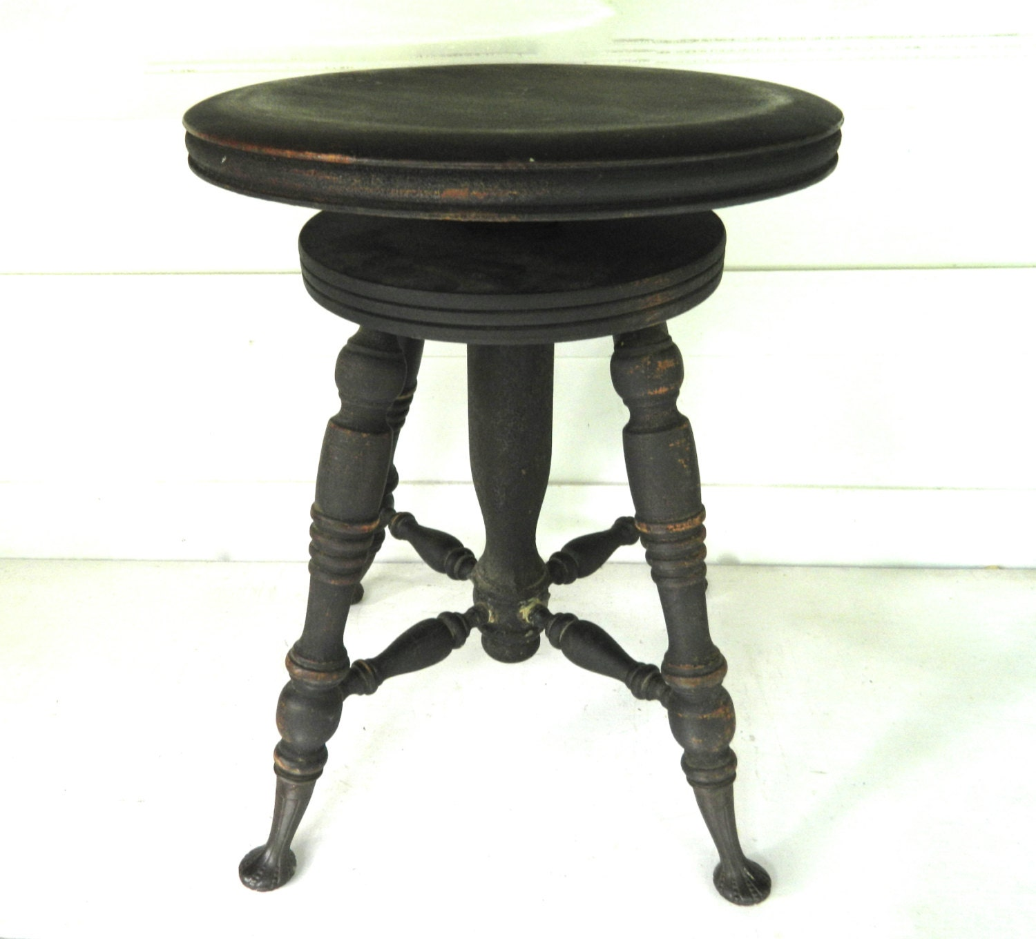 Vintage piano stool wood round