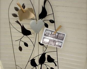 Lovebirds metal photo display, lovebirds wall art lovebirds wedding place card hold,lovebirds picture holder,silhouette lovebirds (4 pieces)