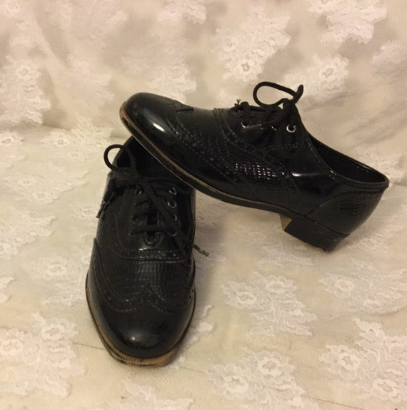 vintage boys black wing tip shoes size 10 made in usa