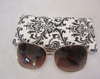 Sunglass / eyeglass case in black on white damask print padded and lined RTS