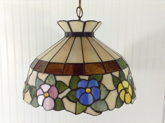 tiffany style stained glass hanging light fixture w glass reflections. Black Bedroom Furniture Sets. Home Design Ideas