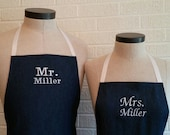 Personalized Denim Mr & Mrs Apron Set with Pocket  - Denim Fabric with White Ties, Custom Embroidery Husband and Wife, Kitchen Gift Idea