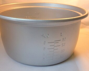 Vintage Metal Aluminum Mixing Bowl With Measurements Cups and Liters
