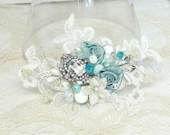 Aqua Hair Comb- Mint blue Bridal Clip- Sea Blue Wedding Hairpiece-Sea Glass Bridal Comb- Aqua Hair Accessories- Floral Hair Accessories