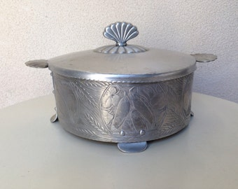 Vintage casserole holder forged crown  Aluminum with etched corn, peas and onions