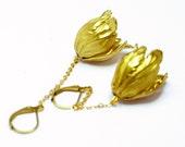 Gold Brass Dangle earrings. Tulip Earrings. Golden. Modern jewelry. Floral jewelry. Drop earrings, botanical
