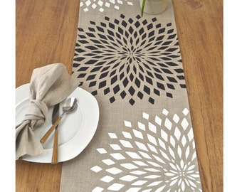 Graphic Zinnia Modern Linen Table Runner - Natural / Back Combo