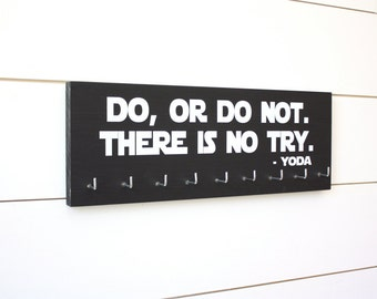 Star Wars Running Medal Holder - Do, Or Do Not. There is No Try. Yoda - Medium