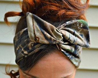 Hunter bow, RealTree Camo Dolly bow headband, hair bow A1