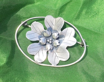 Vintage Simple Cherry Blossom Flower Sterling Silver Brooch Floral Pin