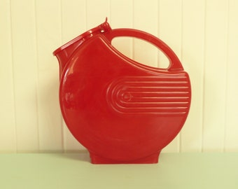 NICE 1950s Pitcher HOLDS WATER Red Art Deco Plastic Pitcher - Vintage Travel Trailer and Home Decor