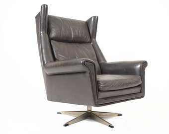 Danish Mid Century Modern Black Leather Swivel Lounge Chair