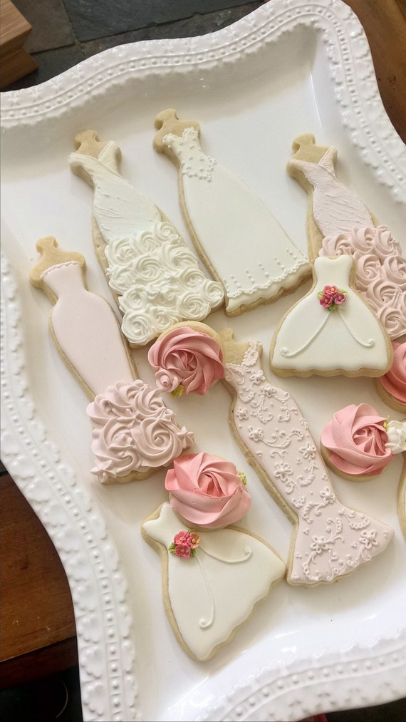 25 Pcs Pink and White Wedding Entourage Dress Cookies For Apr 8