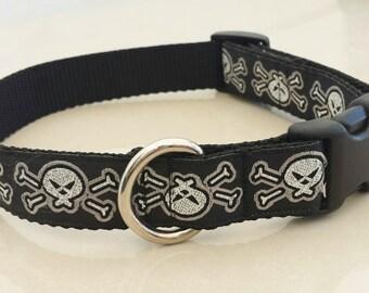 "Adjustable 1"" Wide Dog Collar, Skull, Silver"