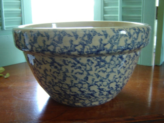 Vintage Bowl 9 Inch Roseville Pottery Blue And Tan Spongeware