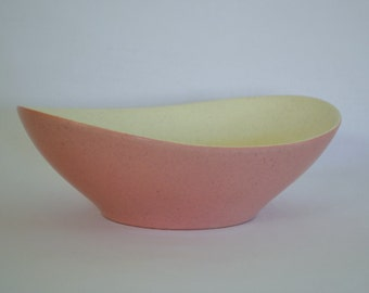 Ceramic Atomic Era Vegetable, Serving Bowl - Cream White Inside With Flecks - Pink Exterior - Boomerang