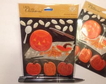 17 piece Halloween  pumpkins scrap booking sticker set, 14-85 mm (HR32)
