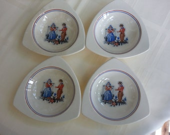 Set of 4 Salem Tricorne Streamline Bowls, Petit Point Pattern, 1930's. Atomic Dinnerware