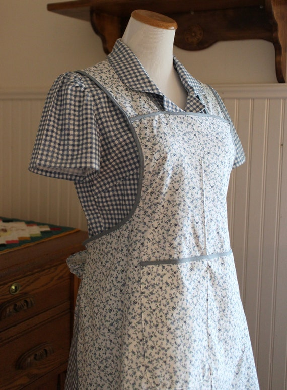 blue and white vintage style apron ready to ship. Black Bedroom Furniture Sets. Home Design Ideas