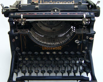 Antique January 12th, 1915 Underwood No. 5 Standard Typewriter Art Deco Style With Glass  Keys