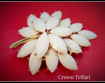 Crown Trifari White thermoset Brooch floral leaf