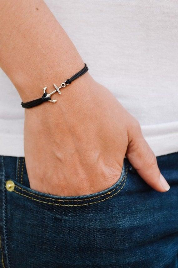 Très Bracelet ancre bracelet multi-cordon noir avec une médaille RI36