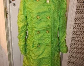 Alligator crinkle long chartreuse 1980s coat size 14 rain weather insulated lime green