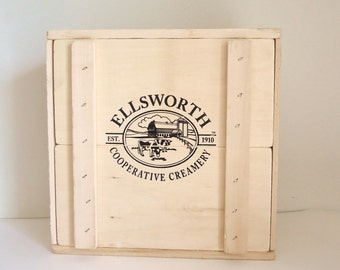 wood box with lid, storage, vintage art supply box, photo prop, country dairy farm,