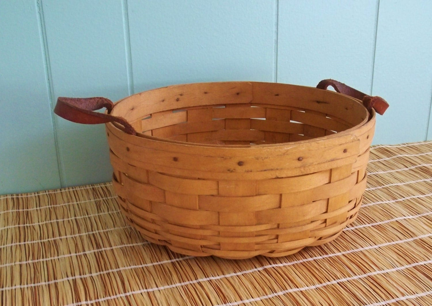 Longaberger round basket 10 diameter leather handles - Diametre cercle basket ...