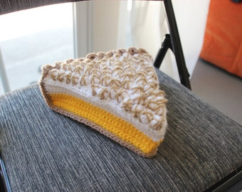 Crochet lemon merengue pie bag