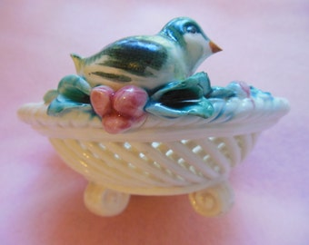 Vintage Porcelain Soap Dish with Basket Weave Pattern ~ Little Sparrow Bird Soap Dish ~ Decorative Dish ~ Candy Dish ~ 1930's Italy