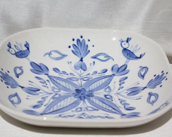 Lovely white and blue bowl by Arabia Finland