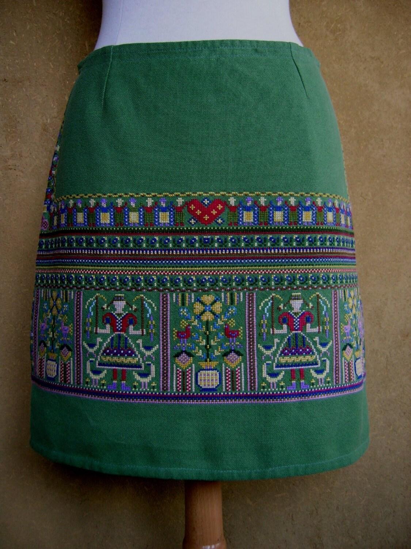 Geborduurd tafelkleed rok vintage borduurwerk rokje door lurealure