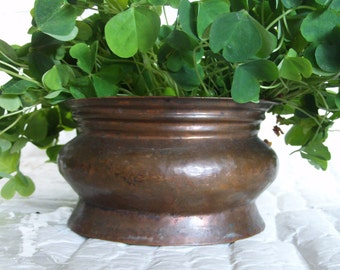 Vintage COPPER bowl, hand crafted, dove tail seams, ribbed, folded rim, small PLANTER pot, Hammered. Home decor, fireplace log holder, metal