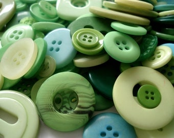 50 Mixed Green Buttons Pack of Green Buttons AM5