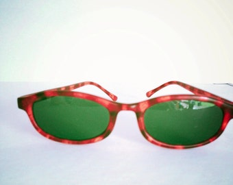 Green brown sunglasses- summer essentials- summer holidays- beach accessory- green glasses- hipster style- 80s glasses- Sweeetlakevintage