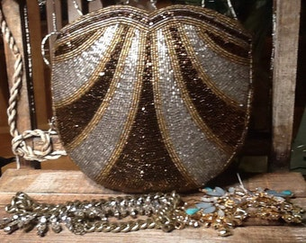 Vintage Mint Conditioned Beaded Coin purse!
