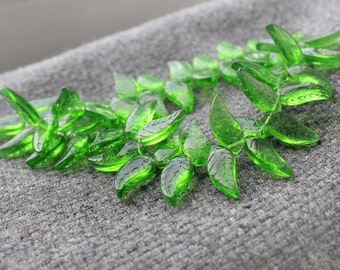 Glass Leaves - 60 Green 18mm x 8mm Glass Leaf Beads, Small Green Glass Leaf Beads, Green Glass Leaves, Glass Leaf, Green Glass