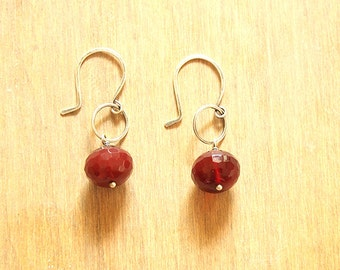 Faceted dark red pillow shaped agate earrings with circle accents - Gota Earrings
