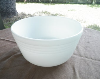 White Milk Glass Pyrex Hamilton Beach Mixing Bowl