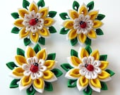 White yellow flower hair clip. Kanzashi Flowers.Set of 2 hair clips or ponytail holders. Hair clips with daisies. Daisies hair pieces.