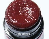Moisturizing Opaque Lipstick in Shades of Wine