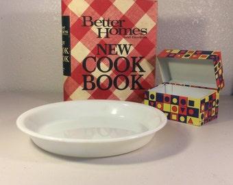 Vintage Pyrex Pie Plate, White Pie Plate