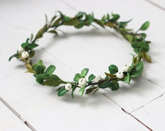 High Quality Simple White Crab Apple Berry and Greenery Crown