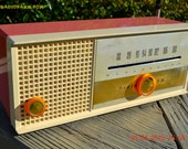 CARNATION PINK Retro Jetsons early 60s Arvin Model 30R12 Tube FM Radio Works!