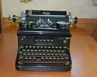 1934 Royal Model S Standard sized typewriter