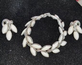 Triffari  clip earrings and bracelet set