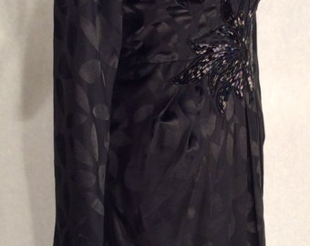 Black St Gillian Plunging Neckline dress, with Beaded Flower Waistline. Size 4 . Little Black Dress. 100% Silk